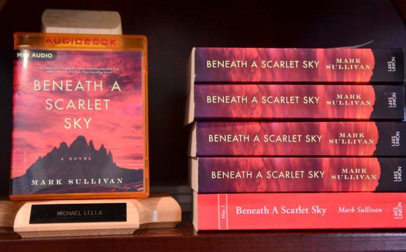 beneath Scarlet Sky - audiolibros